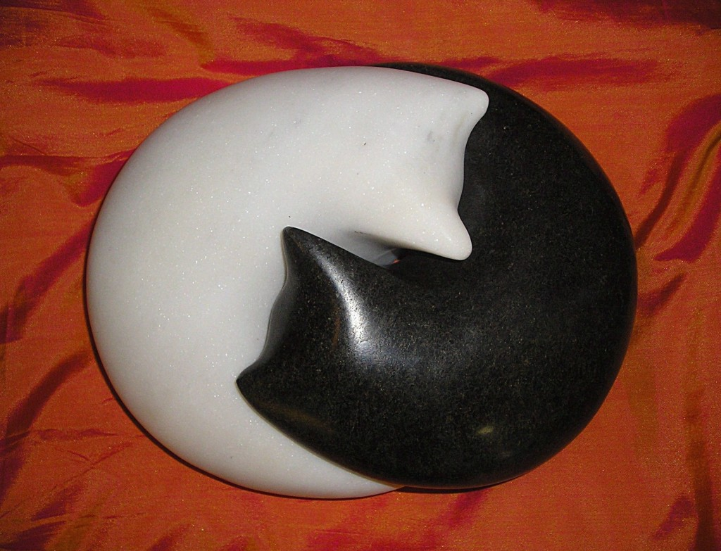 Yin Yang Cats - marble and serpentine, 18x15x9cm copy